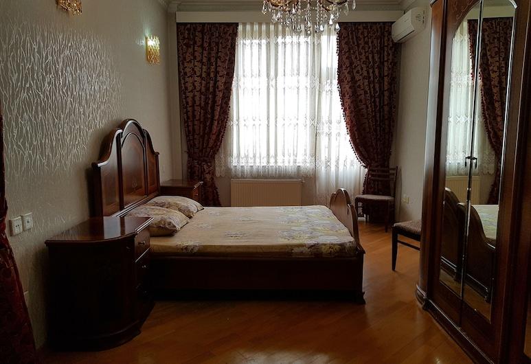 Umair Guest House, Bakú, Departamento familiar, para fumadores, vista a la ciudad, Habitación