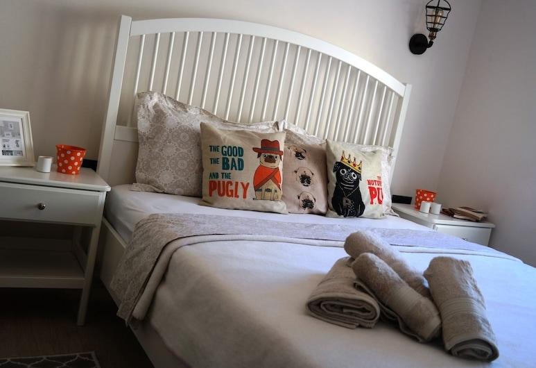 Pug Rooms, צזמה, חדר בייסיק, מיטה זוגית, חדר אורחים