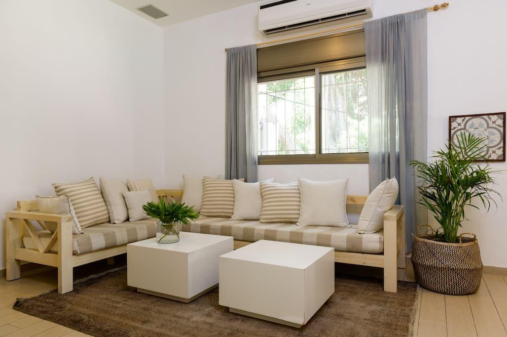Apartman u centru, 3 spavaće sobe - Dnevna soba