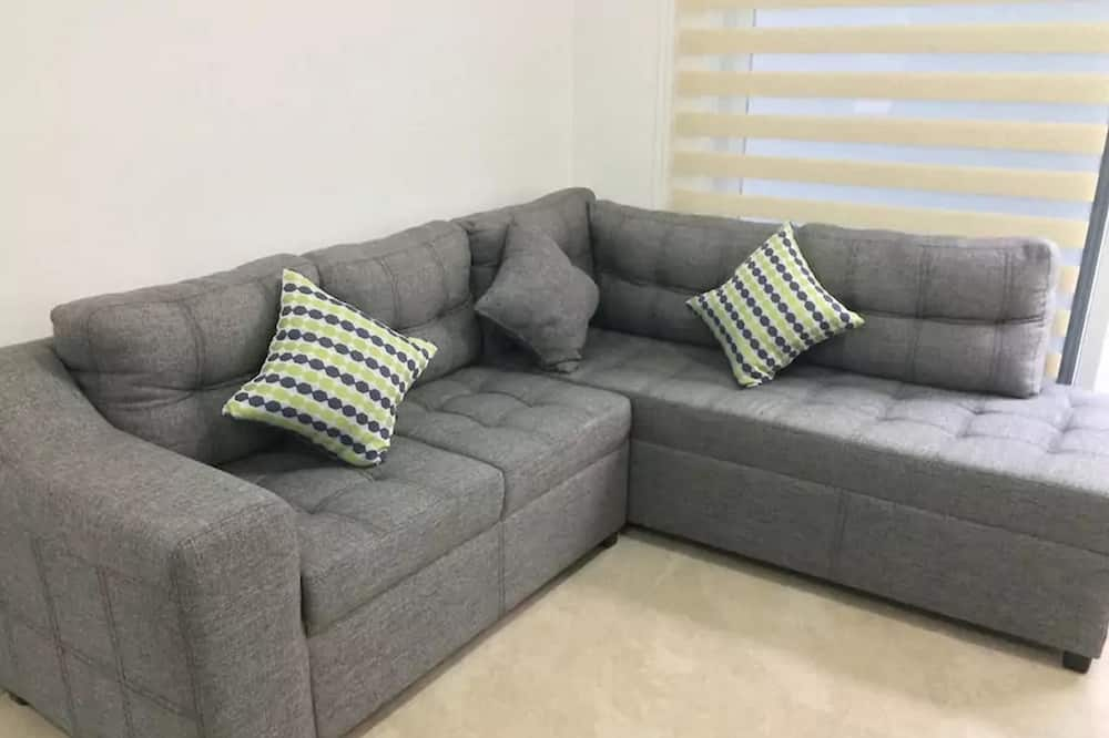 Family Townhome, 2 Bedrooms - Living Area