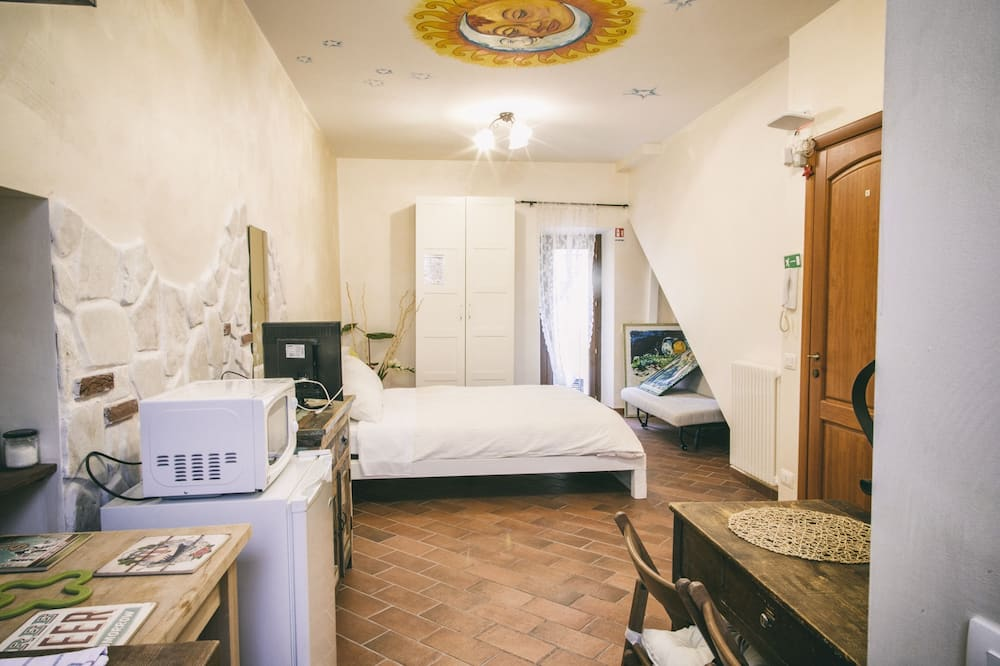 Classic Apartment, 1 Bedroom (Sole) - View from room