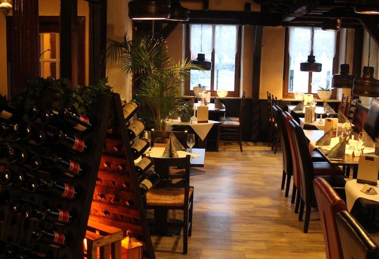 Hotel Schwarzer Adler, Jever, Gastronomie