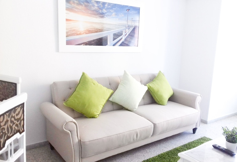 Apartamentos Gran Notch , Alicante, Superior-huoneisto, Oma kylpyhuone, Kaupunkinäköala, Oleskelualue