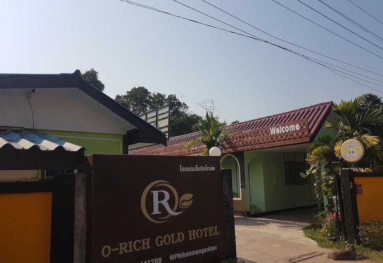 O-Rich Gold Hotel, פיבון מנגסהאן