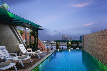 Picture of LCS Hotel & Apartment in Phnom Penh
