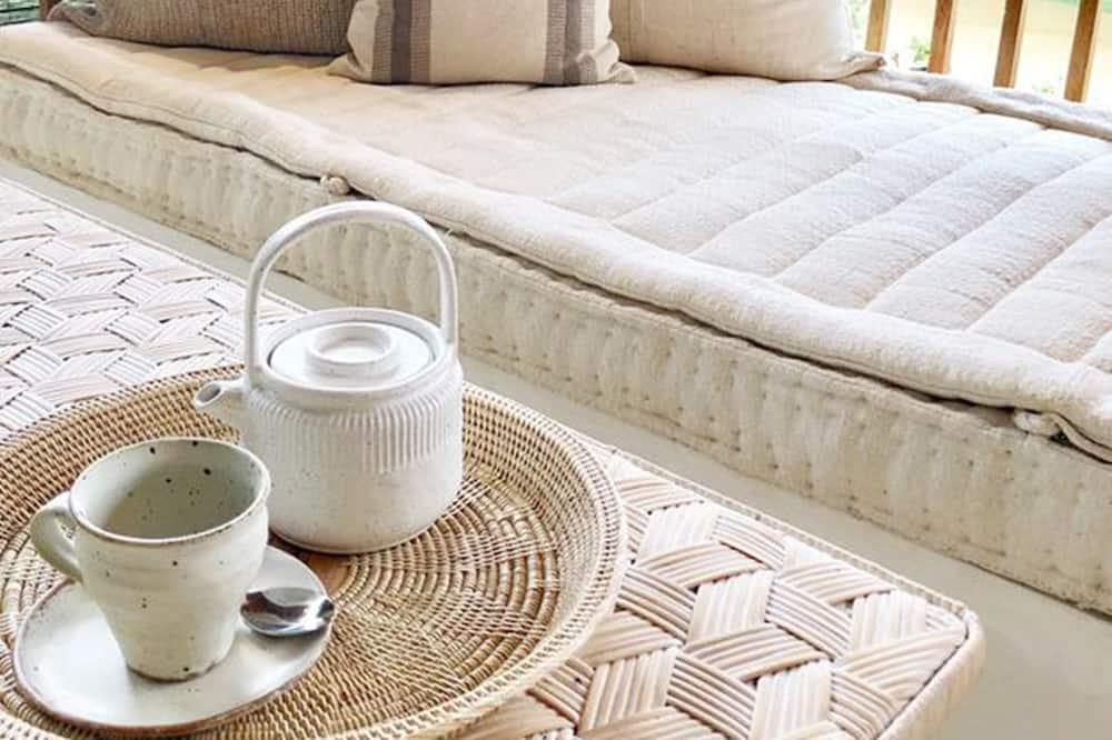 Huen Bon Suites - Balcony