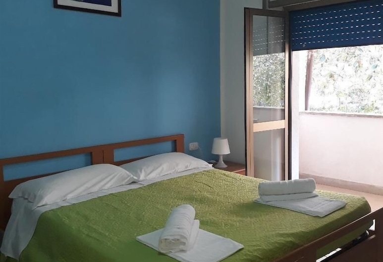 Pensione Nettuno, Centola, Habitación con 1 cama matrimonial o 2 individuales, balcón, Habitación