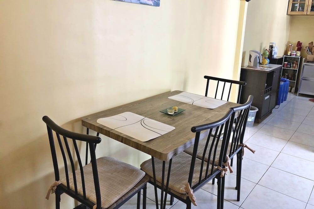 Hus - 1 soveværelse - Spisning på værelset