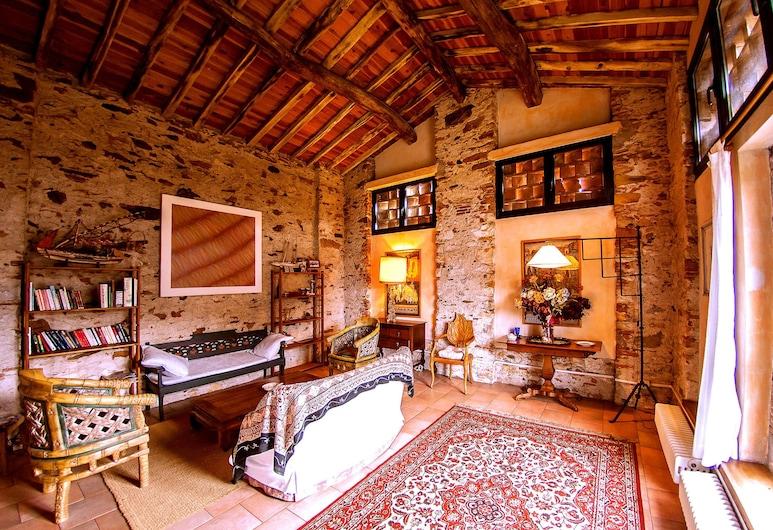 Corte della Rusticuccia, Lucca, Traditional Duplex, 2 Bedrooms, Living Area