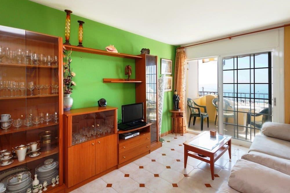Külaliskorter, 3 magamistoaga, rõduga, vaade merele - Elutuba