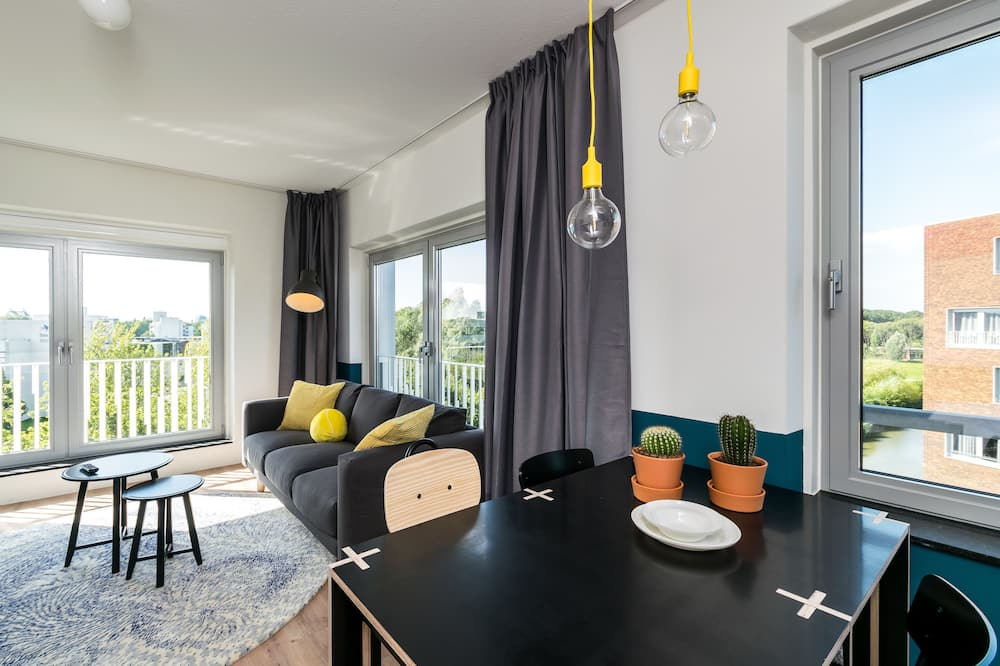 Superior Studio Suite - In-Room Dining