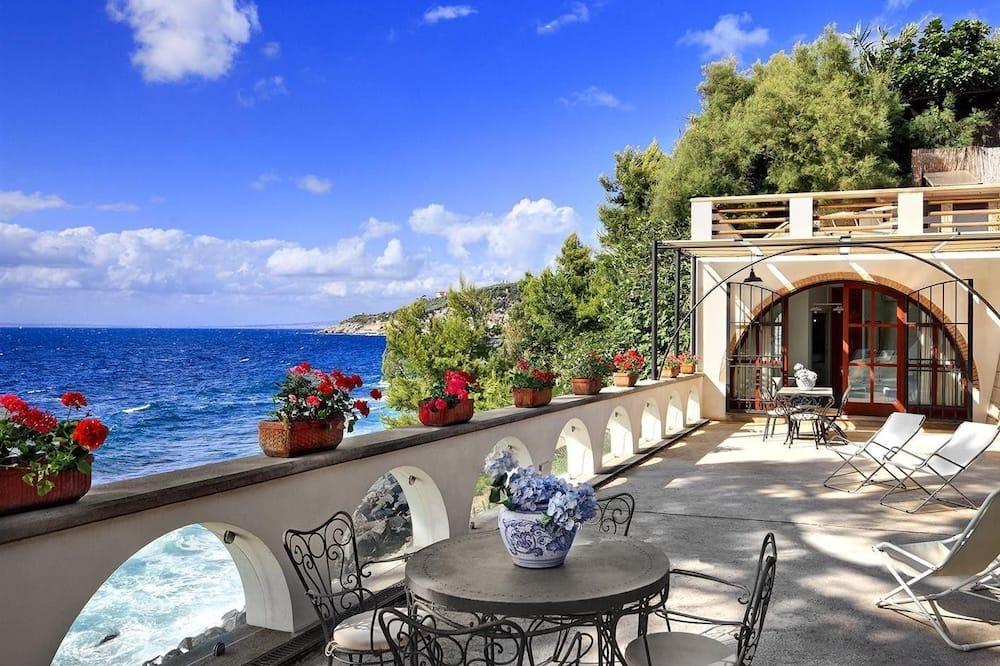 Studio - Terrace/Patio