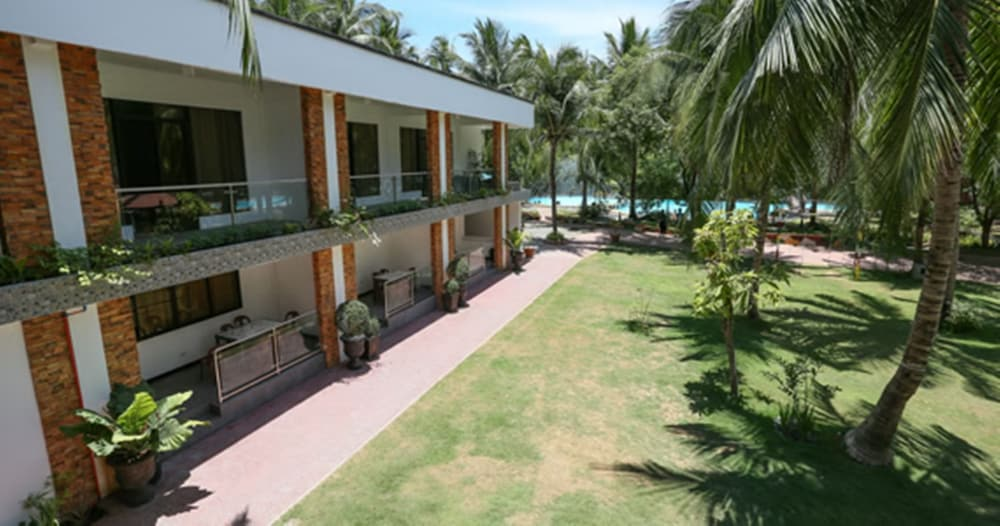 Villa Soledad Beach Resort Bolinao