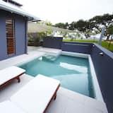 Улучшенный коттедж, 1 спальня, отдельный бассейн, с видом на воду - Терраса/ патио