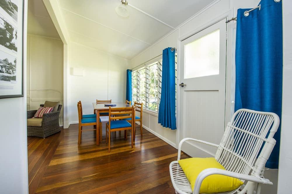 Apartament rodzinny, 2 sypialnie, dostęp do basenu, widok na ogród - Wyżywienie w pokoju
