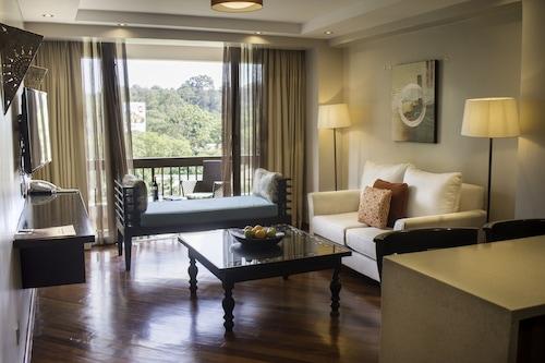 朗格诺广场服务式公寓酒店/