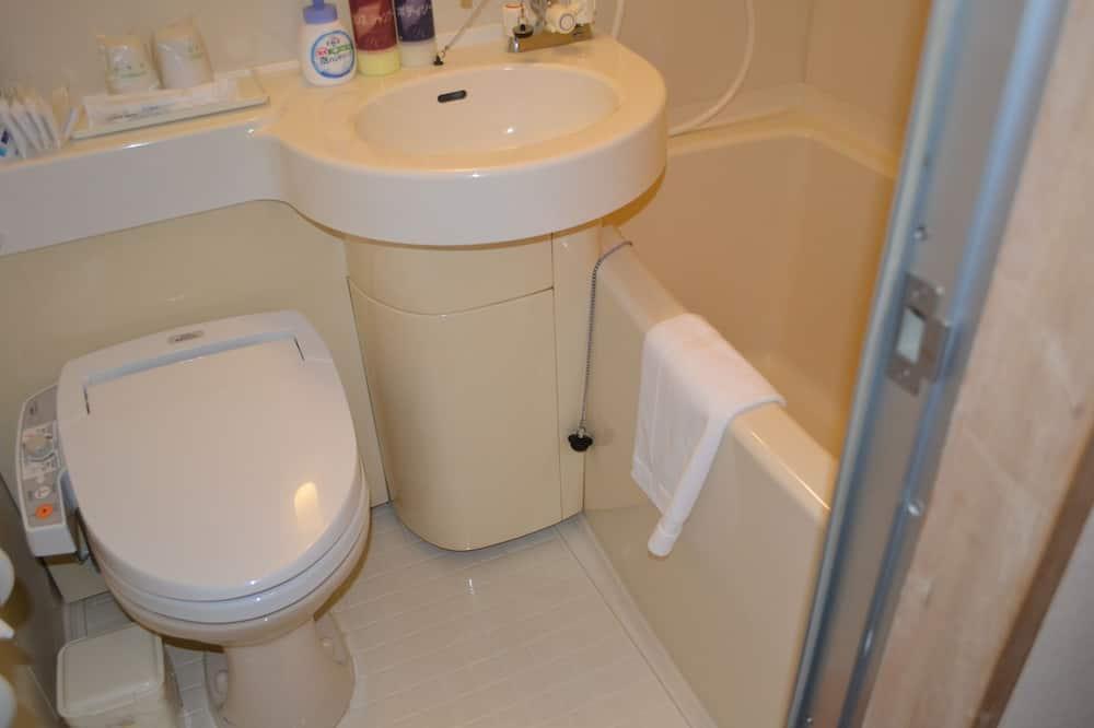 Традиционный номер, для некурящих (27.3sqm) - Ванная комната