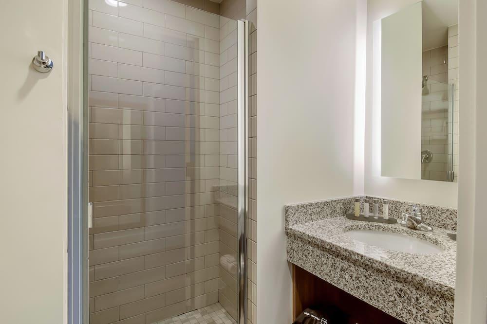Standard 2 Queens Non Smoking - Badezimmer