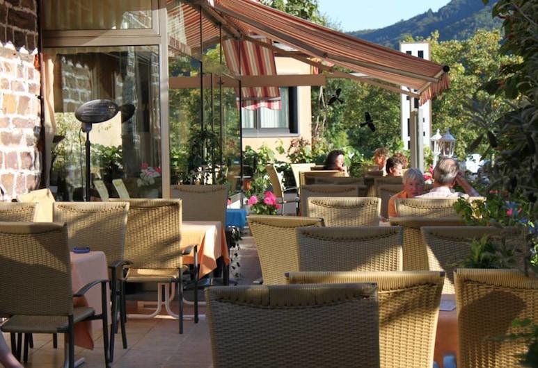 Moselromantik Hotel Zum Löwen, Ediger-Eller, Teres/Laman Dalam
