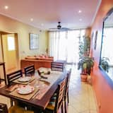 Luxury Apartment, 2 Bedrooms, Non Smoking - In-Room Dining