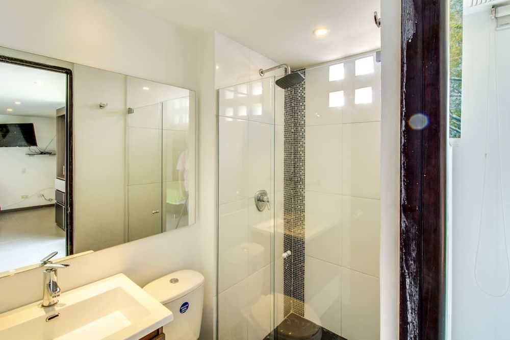 Căn hộ tiện nghi đơn giản - Phòng tắm