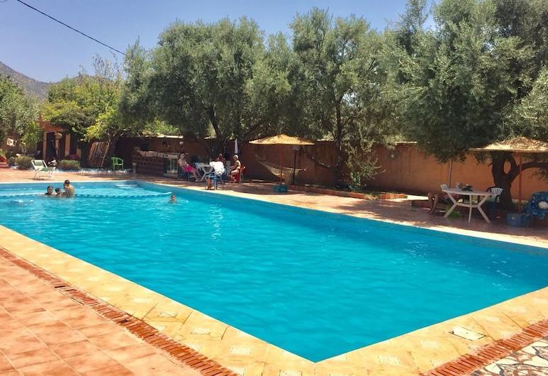 法蘭西烏祖酒店, 艾特塔吉拉, 泳池