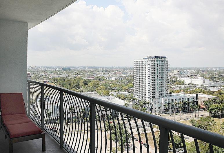 Opera Tower By Suarez Vacation Rentals, Miami, Appart'hôtel Deluxe, 1 chambre, balcon, vue partielle sur la mer, Chambre