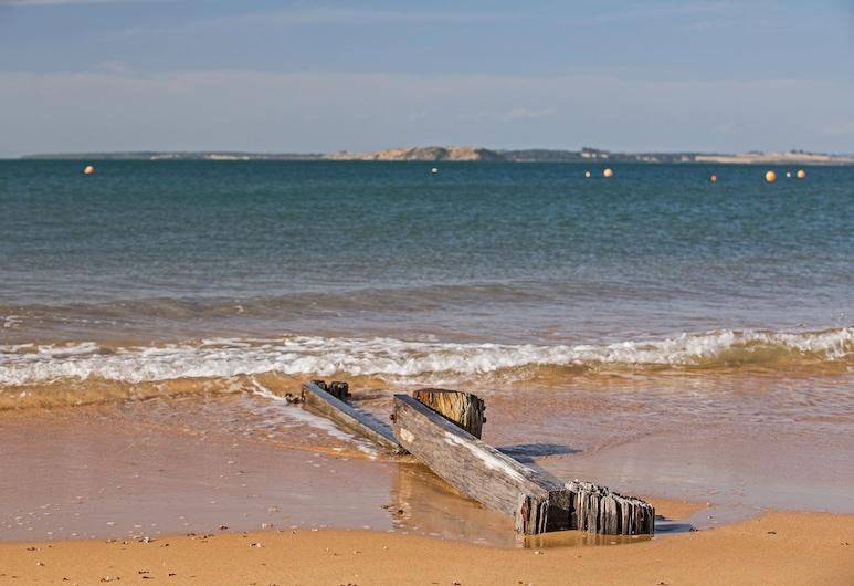 Sails on Chapel, Cowes, Beach