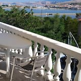 Apartment With one Bedroom in Pag, With Wonderful sea View, Enclosed Garden and Wifi - 100 m From the Beach