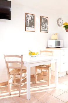 Image de House With 2 Bedrooms in Roma, With Wonderful City View, Furnished Terrace and Wifi à Rome
