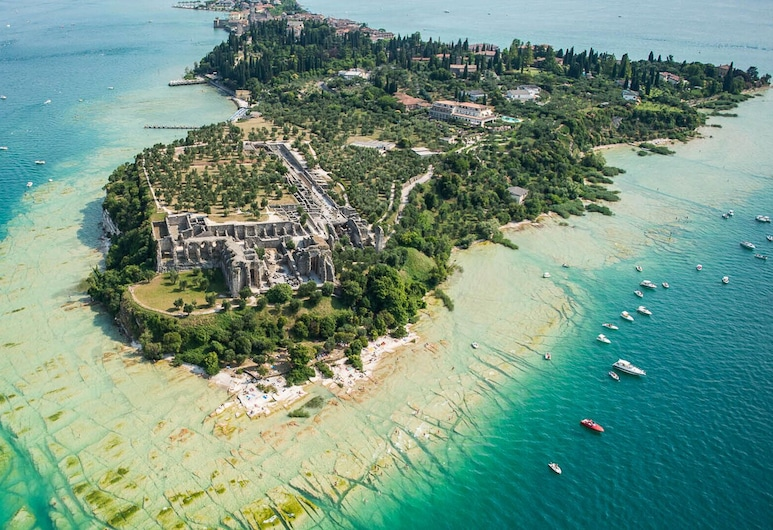 Villetta Anna, Sirmione, Lake Garda a few Meters From the Beach, سيرميوني, الشاطئ