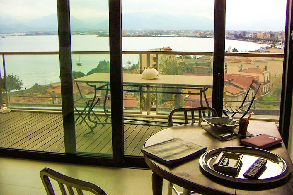Apartment With one Bedroom in Milazzo, With Wonderful sea View, Shared Pool, Furnished Balcony - 500 m From the Beach