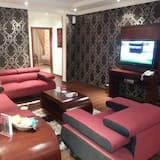 Apartmán, 2 ložnice, přízemí - Obývací pokoj