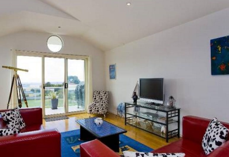 Spacious, Well Appointed Modern Townhouse Located in Apollo Bay, אפולו ביי, סלון