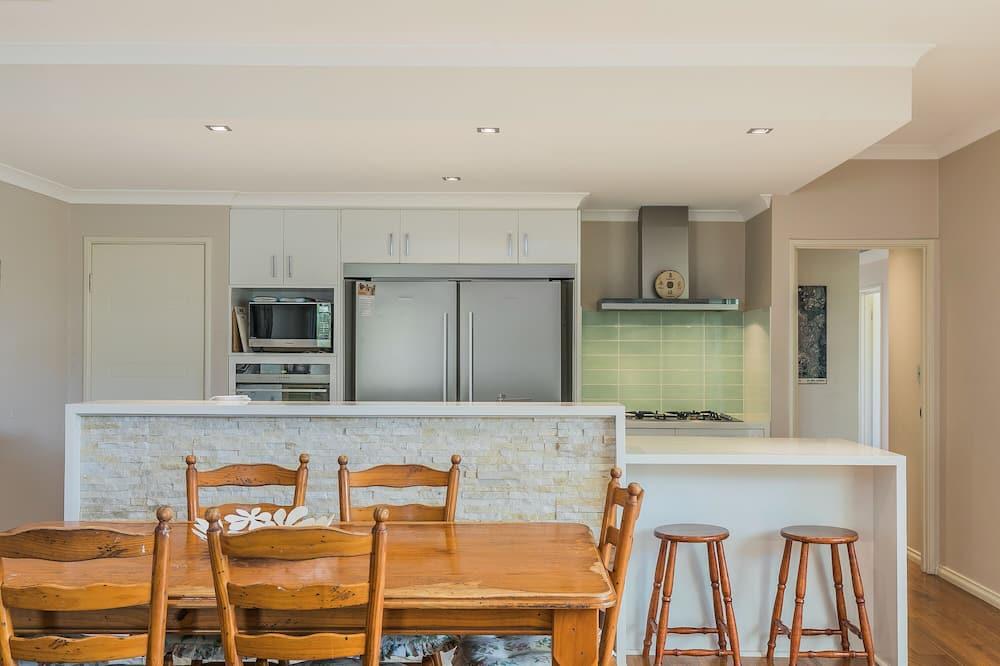 Domek typu Premium, 5 ložnic, 2 koupelny - Stravování na pokoji