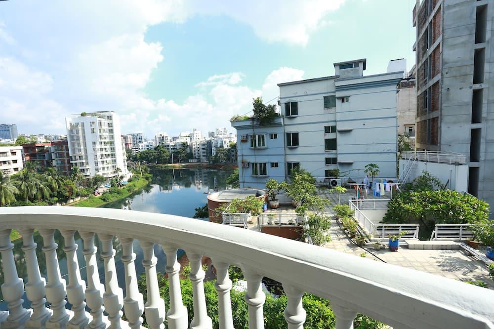 Luxury Double or Twin Room, 1 Bedroom, Smoking, Lake View - Balcony