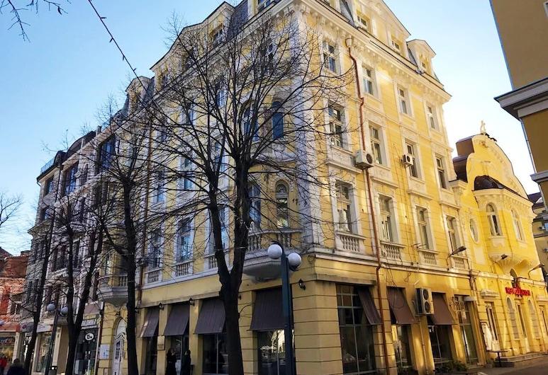A16 Hostel, Burgas, Hotellets front