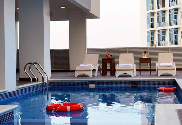 بريزيدانت وييفز, المنامة, حمّام سباحة داخلي