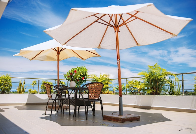 The Streamliner Hotel Apartment, Toamasina, Teres/Laman Dalam