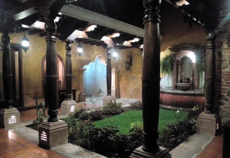 LA CASA DE LA ALAMEDA, Antigua Guatemala, Vstupní prostor zevnitř