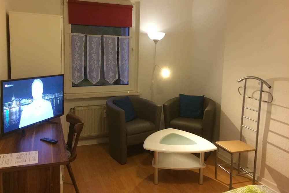 Studio, 2 Twin Beds - Living Area