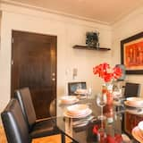 Family Penthouse, 2 Bedrooms - In-Room Dining