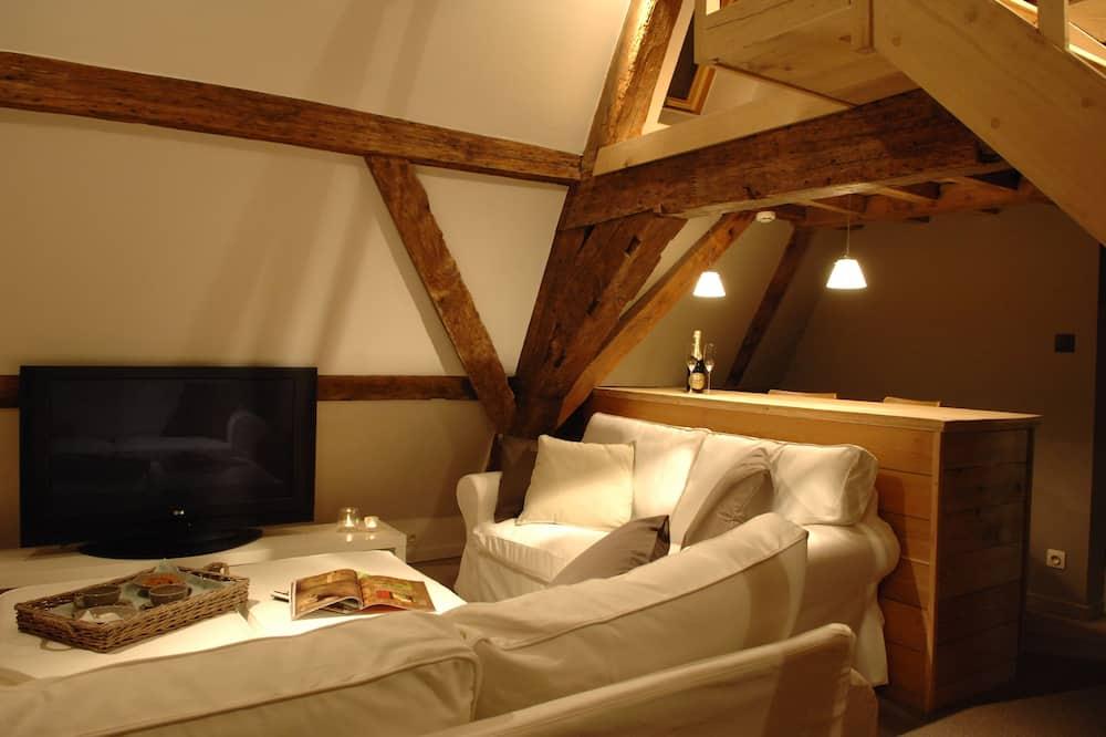 Phòng Suite, 2 phòng ngủ, Quang cảnh thành phố - Khu phòng khách