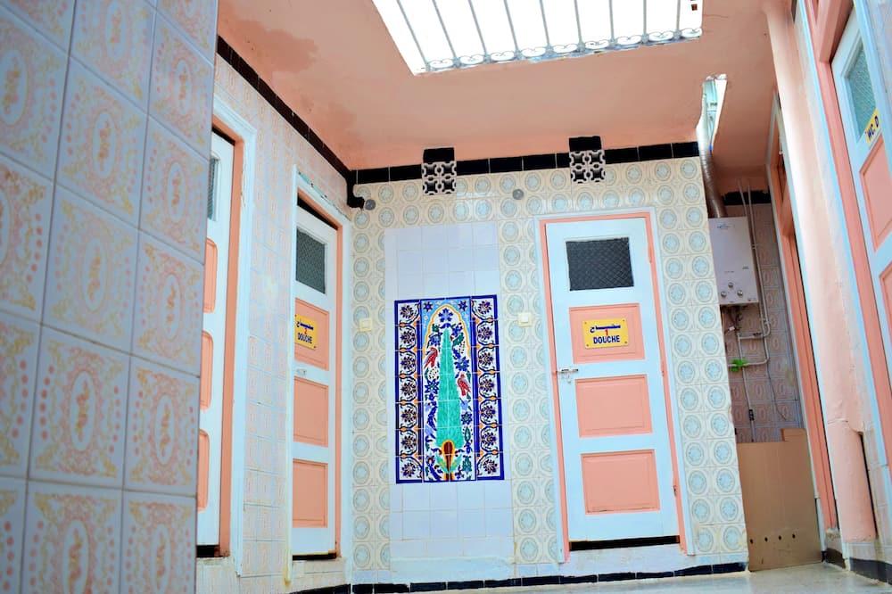 Одноместный номер, общая ванная комната - Ванная комната