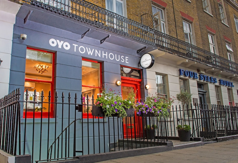 OYO Townhouse 30 Sussex Hotel, London, Hoteleingang