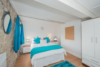 Enter your dates to get the Leeds hotel deal