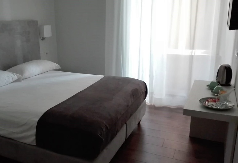 Eighty Four Luxury Rooms, Roma