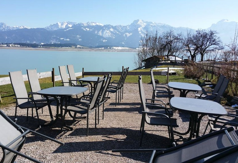 Seehotel und Appartements Schnöller, Rieden am Forggensee, Obiekty restauracyjne na zewnątrz