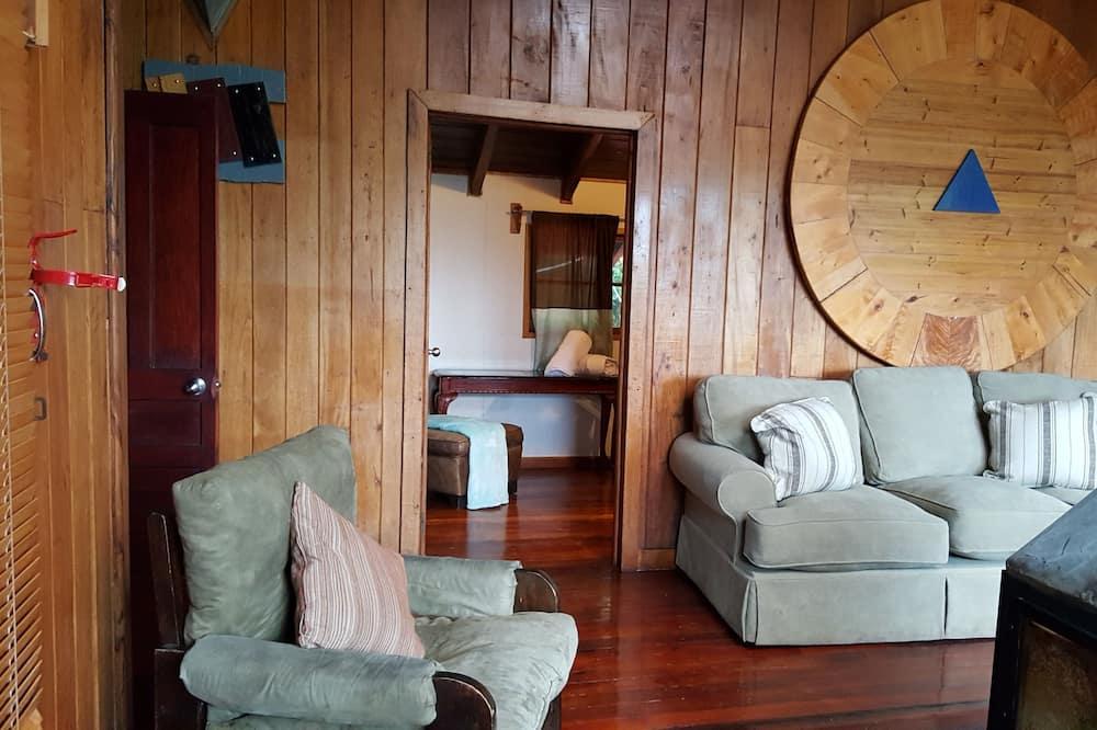 Premium Kulübe, 2 Yatak Odası, Küvet, Dağ Manzaralı - Oturma Alanı