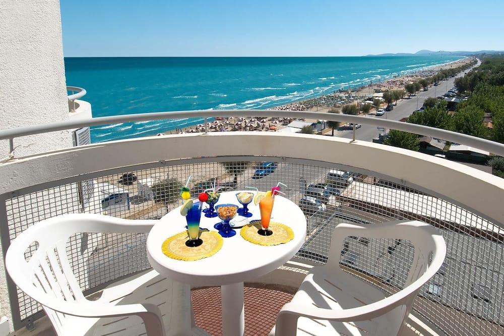 Classic Quadruple Room, Partial Sea View - Balcony